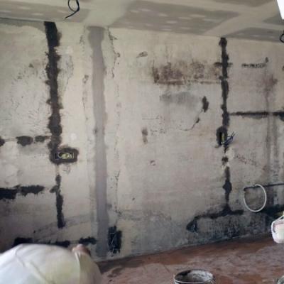 3. z 3 fotografii před - rekonstrukce bytu